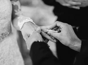 Infos zum Ehevertrag von Rechtsanwalt und Notar Klaus-Dieter Heskamp in Hannover.