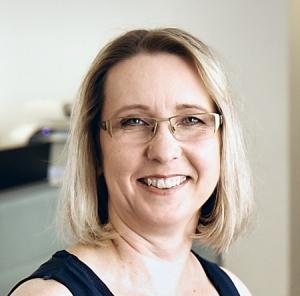 Petra Diening, Sekretariat, gehört zum Team von Rechtsanwalt und Notar Klaus-Dieter Heskamp in Hannover.